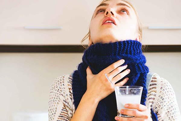 Чем можно полоскать горло при першении