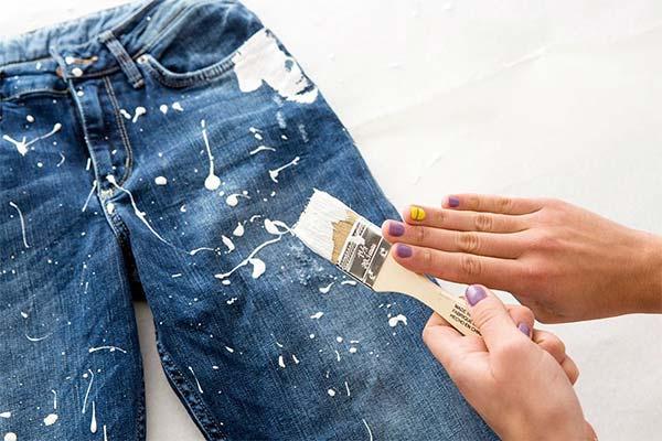 Чем оттереть краску с одежды от лавочки