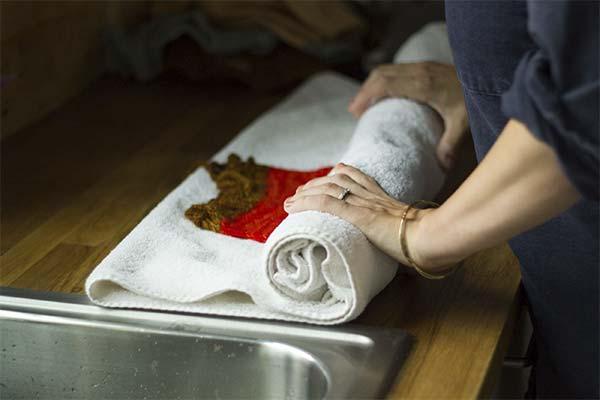 Как правильно сушить вязаные вещи