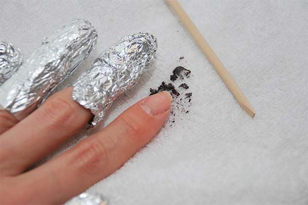 Как самостоятельно снять гелевые ногти