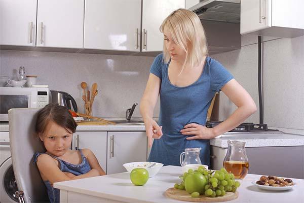 Как уговорить ребенка поесть