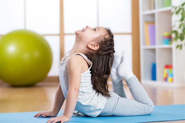 Лучшие упражнения для правильной осанки у детей