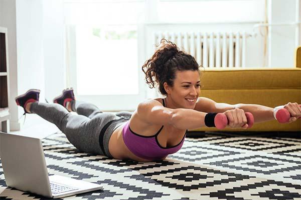Можно ли заниматься спортом в домашних условиях