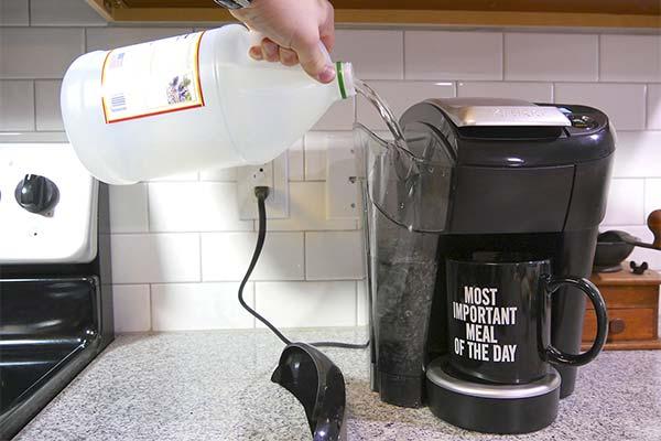 Насколько часто нужно чистить кофемашину